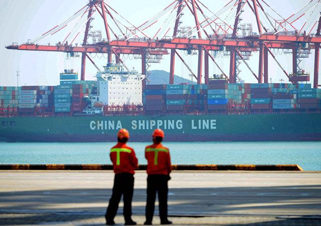 Un buque de carga chino
