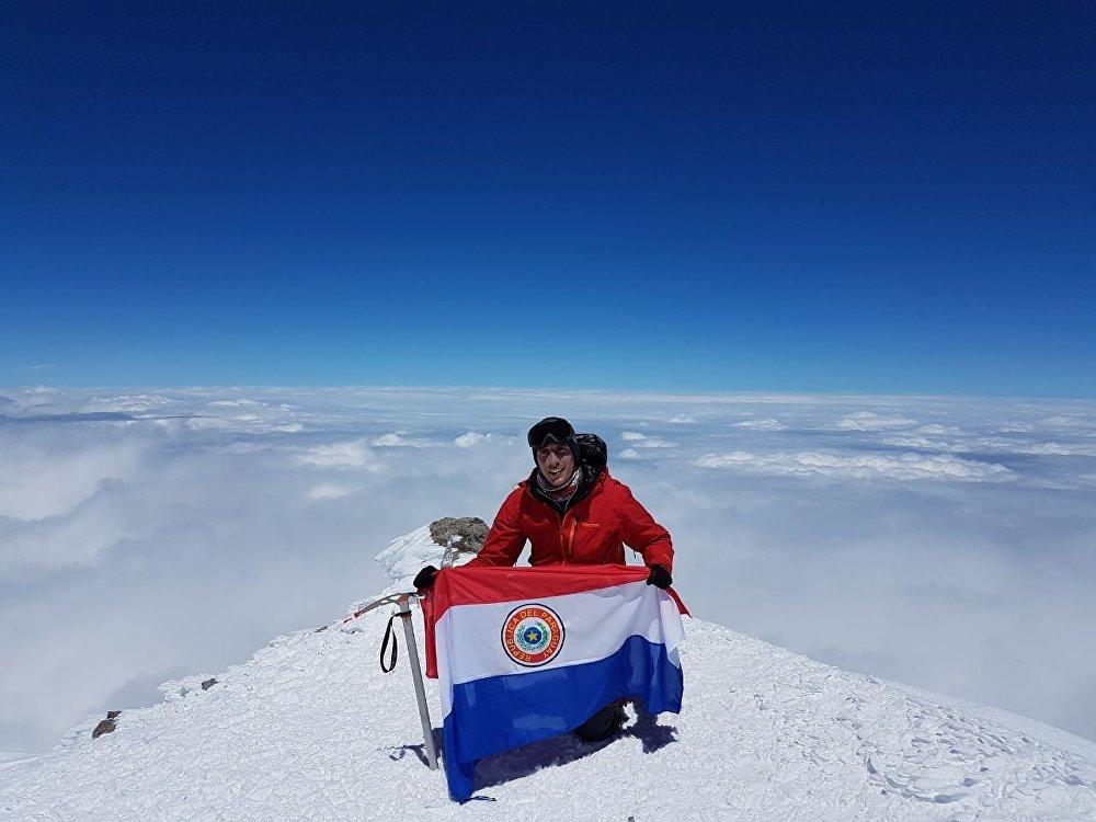 Camino Román conquista la cumbre más alta de Europa