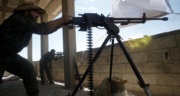 Unidades de Protección Popular (YPG) en Al Raqa