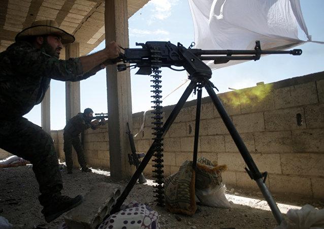 Miliciano kurdo (archivo)