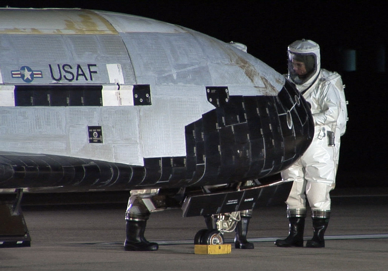 El Boeing X-37B, parte el arsenal militar de Estados Unidos en el espacio
