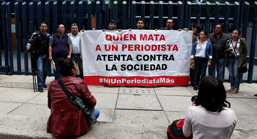 Protesta en marco de desapareción de un periodista mexicano