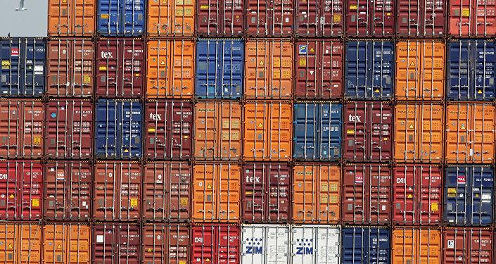 Los contenedores en el puerto (imagen referencial)