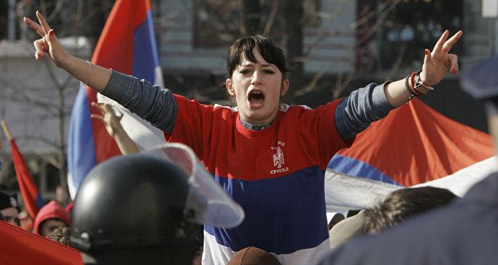 Joven de la República Srpska durante protestas contra la declaración de independencia de Kosovo. Banja Luka, 21 de febrero de 2008.