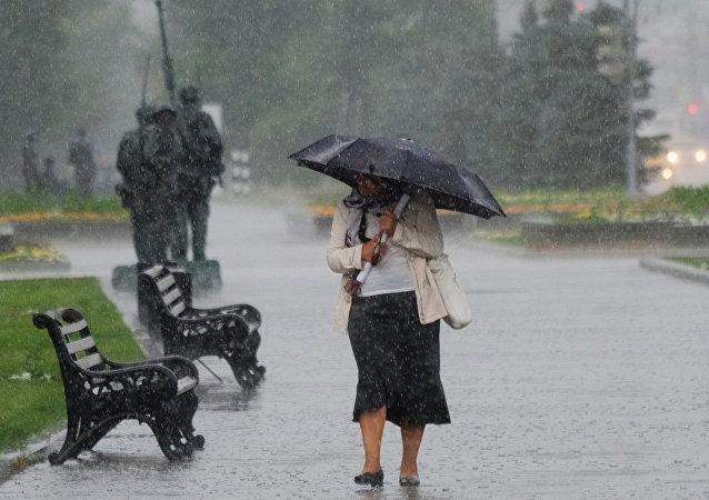 Lluvia en Moscú (archivo)