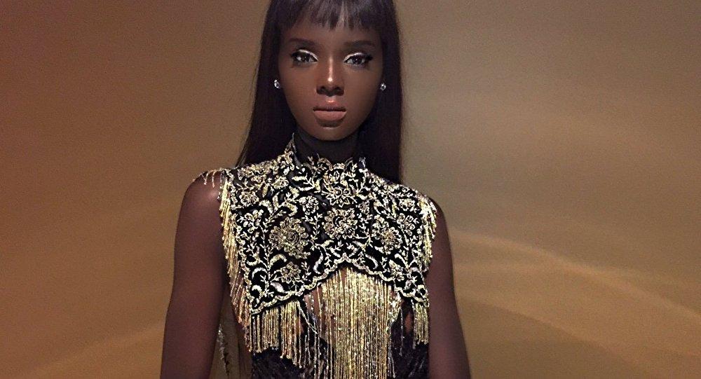 Duckie Thot, modelo australiana de origen sursudanés