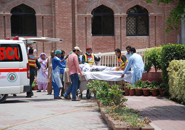 Víctimas de la explosión del camión cisterna en Pakistán