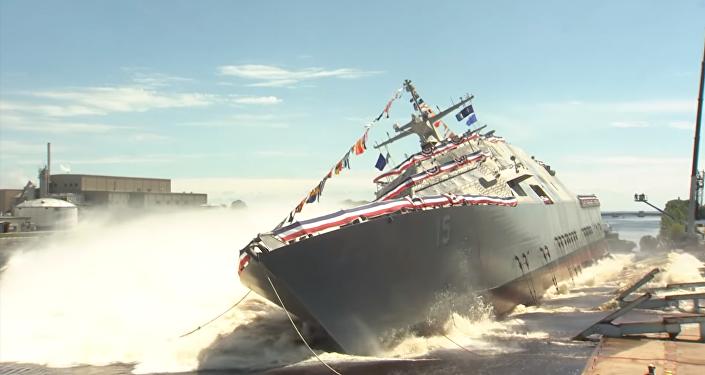 La botadura del nuevo buque de combate de la Armada de EEUU