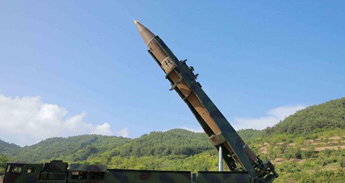 Hwasong-14, misil balístico norcoreano con el que Pyongyang pretende contener EEUU