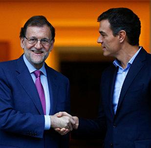 Mariano Rajoy, presidente de España, y Pedro Sánchez, secretario general del PSOE