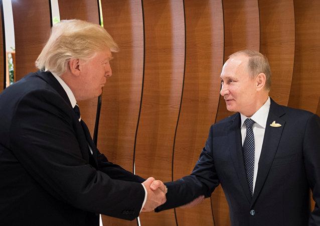 El presidente de EEUU, Donald Trump, y el presidente de Rusia, Vladímir Putin (archivo)