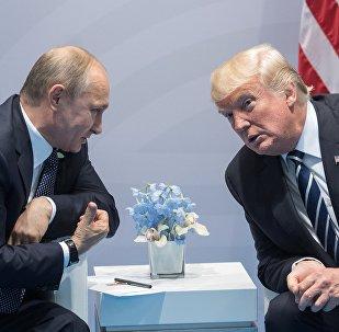 El presidente de Rusia, Vladímir Putin, y su homólogo norteamericano, Donald Trump