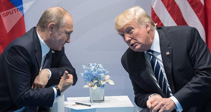 El presidente de Rusia, Vladímir Putin, y su homólogo norteamericano, Donald Trump (archivo)