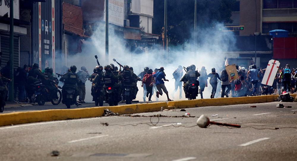 VENEZUELA: Al menos 24 personas fueron detenidas durante protestas