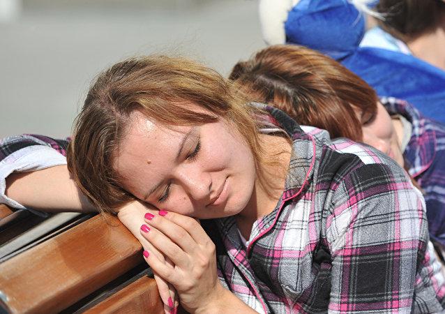 Una estudiante rusa durmiendo