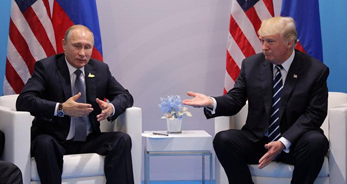 El presidente ruso, Vladímir Putin, y su homólogo estadounidense, Donald Trump