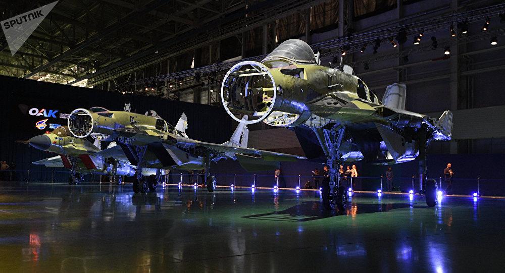 El interior de los cazas MiG-35 (imagen referencial)