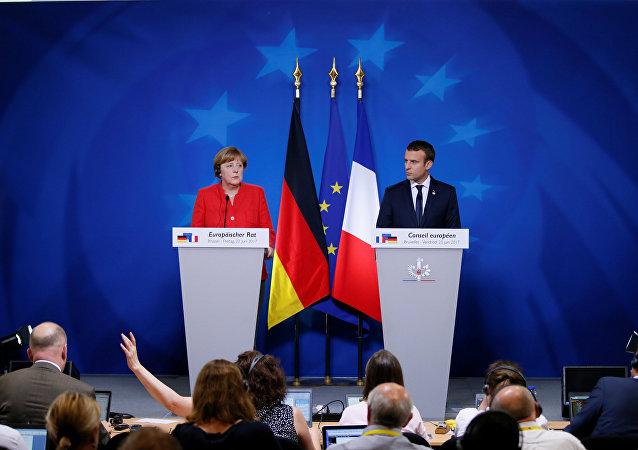 La canciller alemana, Angela Merkel, el presidente de Francia, Emmanuel Macron (archivo)