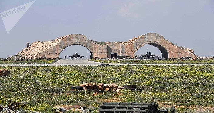 Las consecuencias del ataque de EEUU contra una base aérea siria