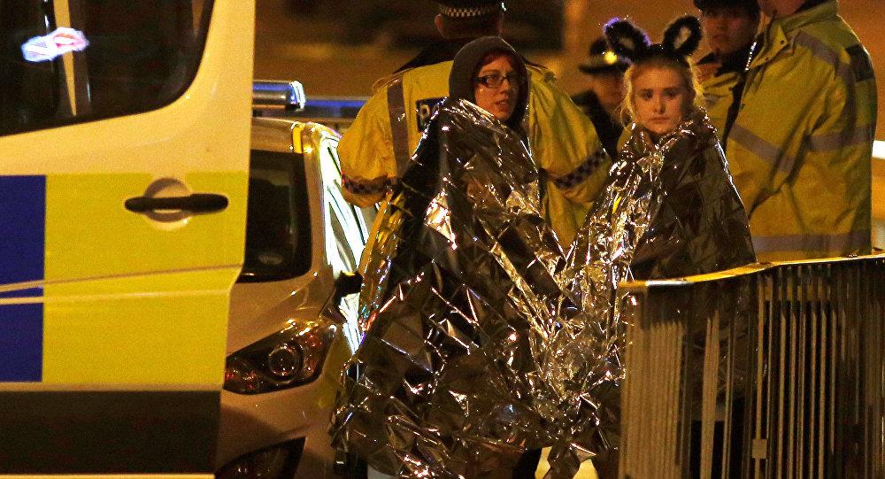Fanáticas de Ariana Grande, después del atentado en Mánchester, Reino Unido