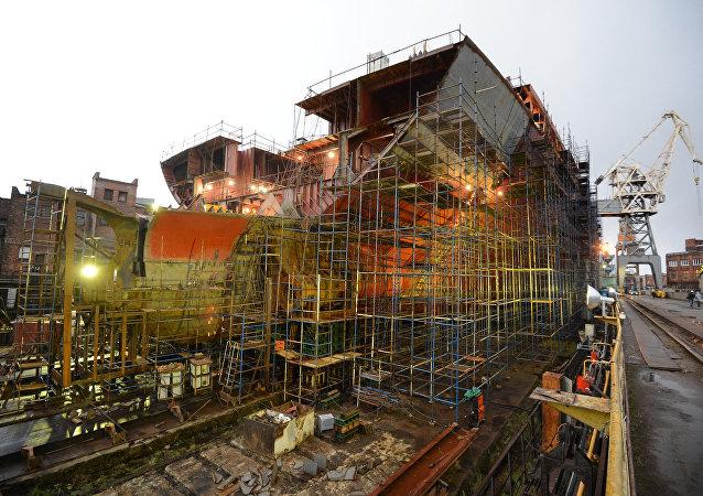 La construcción del rompehielos del proyecto 22220 (archivo)