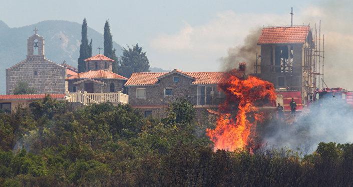 Incendios forestales siguen avanzando en Croacia y Montenegro
