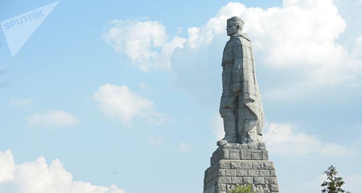 Un monumento a los soldados soviéticos (imagen referencia)