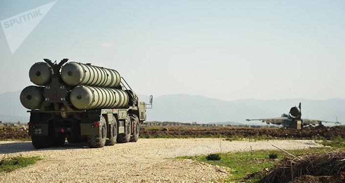 Sistema de lanzamiento de misiles S-400 Triumf