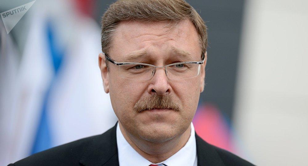 Konstantín Kosachov, jefe de la Comisión para Asuntos Internacionales del Senado de Rusia
