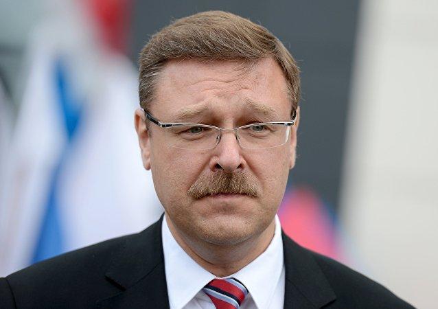 Konstantín Kosachov, presidente del Comité de Asuntos Internacionales del Consejo de la Federación de Rusia