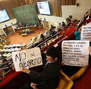 Demostración contra la legalización del aborto en Congreso de Chile