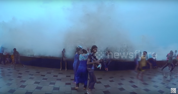 Van 172 muertos por intensas lluvias en India