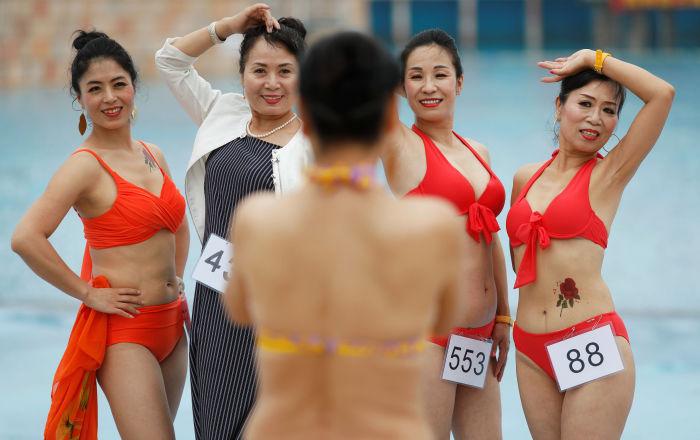 La belleza no tiene límites: el desfile de personas mayores Grandbikini en ChinaLa belleza no tiene límites: el desfile de personas mayores Grandbikini en China