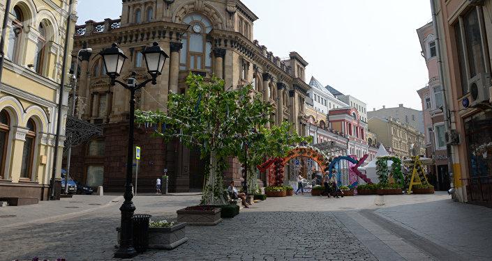 Kuznetski Most es hoy una de las principales calles peatonales de Moscú, donde habitualmente se celebran todo tipo de festivales.