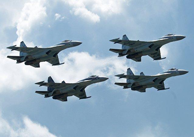 Loz aviones de caza durante el Salón MAKS 2017