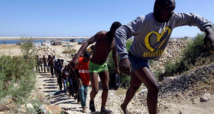 Rescatan a 500 refugiados en el mar Mediterráneo