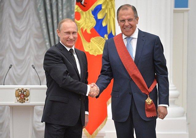 El presidente de Rusia, Vladímir Putin, y el ministro de Asuntos Exteriores, Serguéi Lavrov