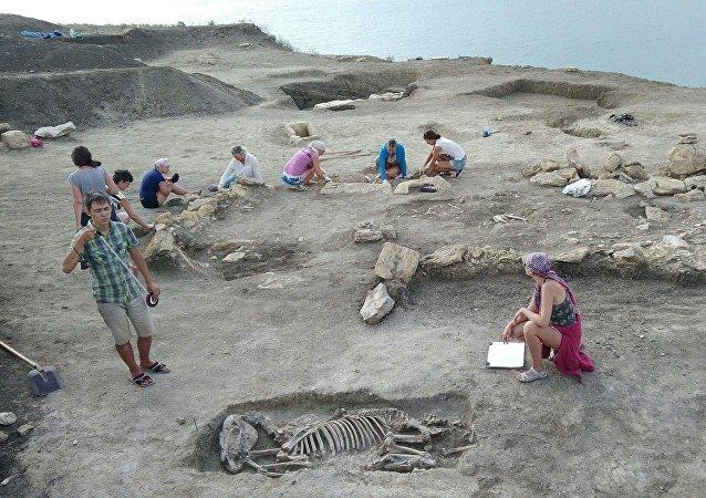 Excavaciones cerca de Kerch, Crimea