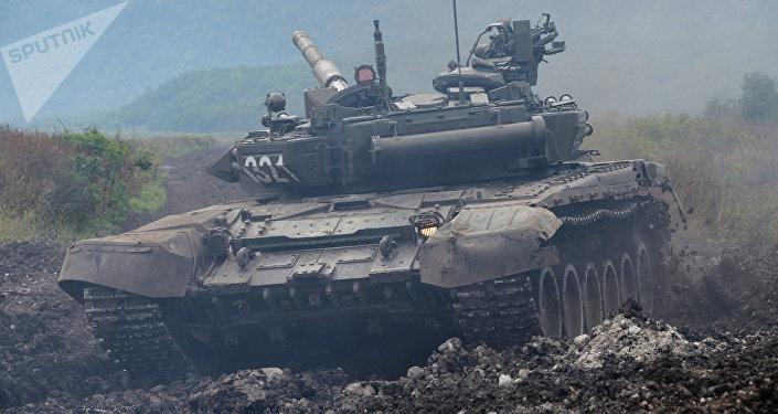 Tanque T-90 en la región del Cáucaso Norte