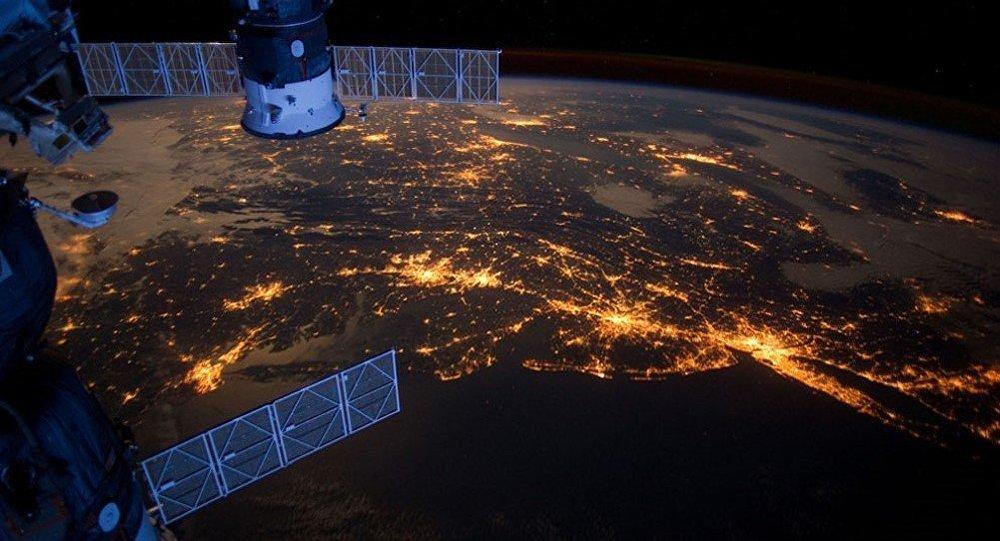 Lanzan la nave Soyuz MS-06 rumbo a la EEI