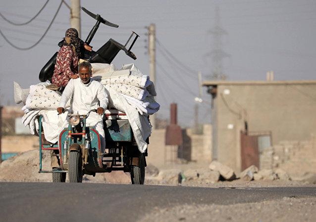 Los sirios huyendo de Al Raqa