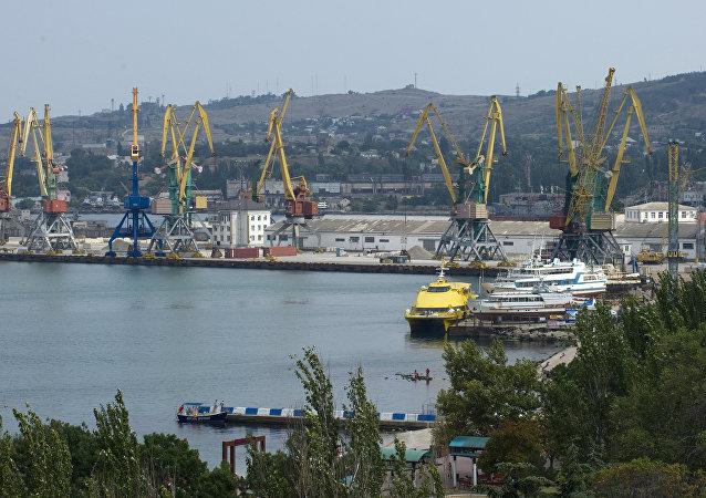 Puerto de Feodosia, Crimea