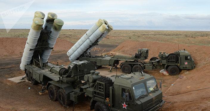 Sistema de misiles S-400 Triumf (archivo)