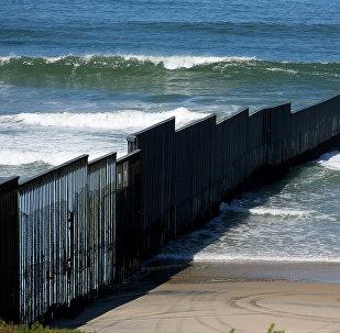 El muro fronterizo entre EEUU y México