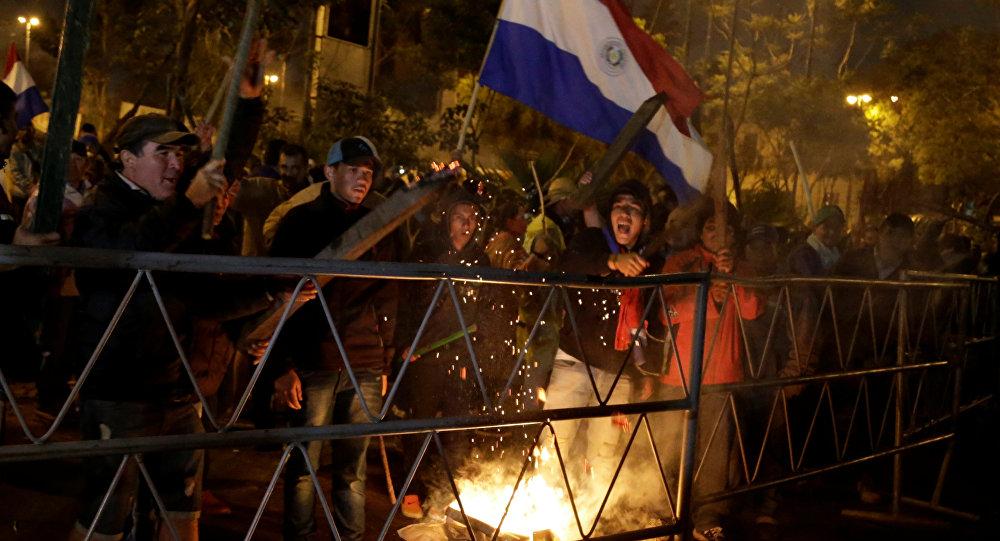 Campesinos protestando en Asunción, Paraguay