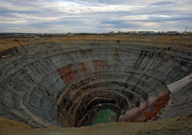 Una mina de diamantes Mir, situada en Yakutia