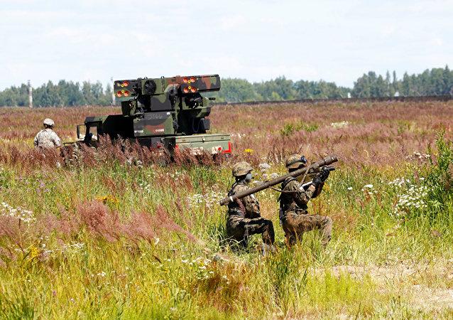 Soldados polacos durante unos ejercicios en Lituania (archivo)