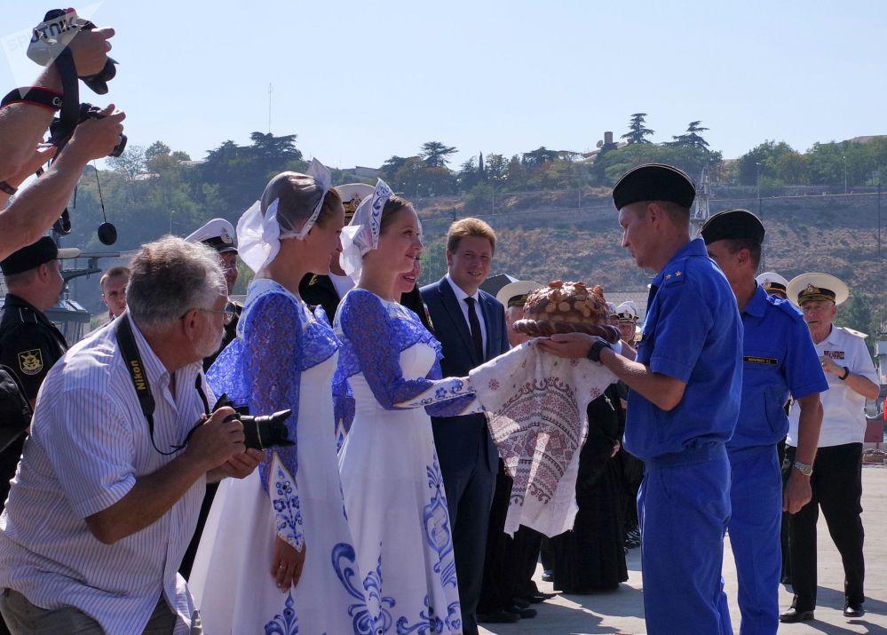 La ceremonia de bienvenida del submarino Krasnodar, en Sebastopol
