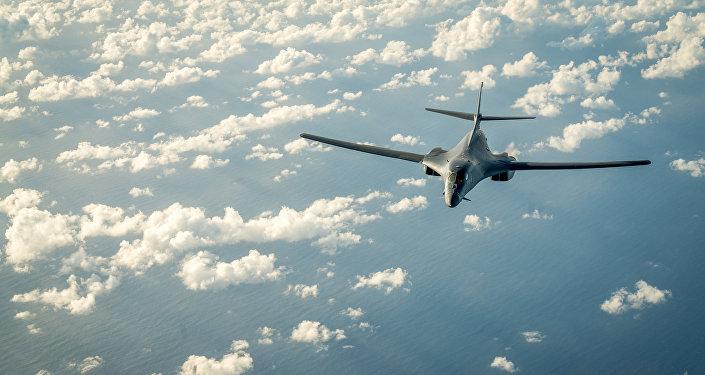 Un avión militar estadounidense sobrevuela península de Corea