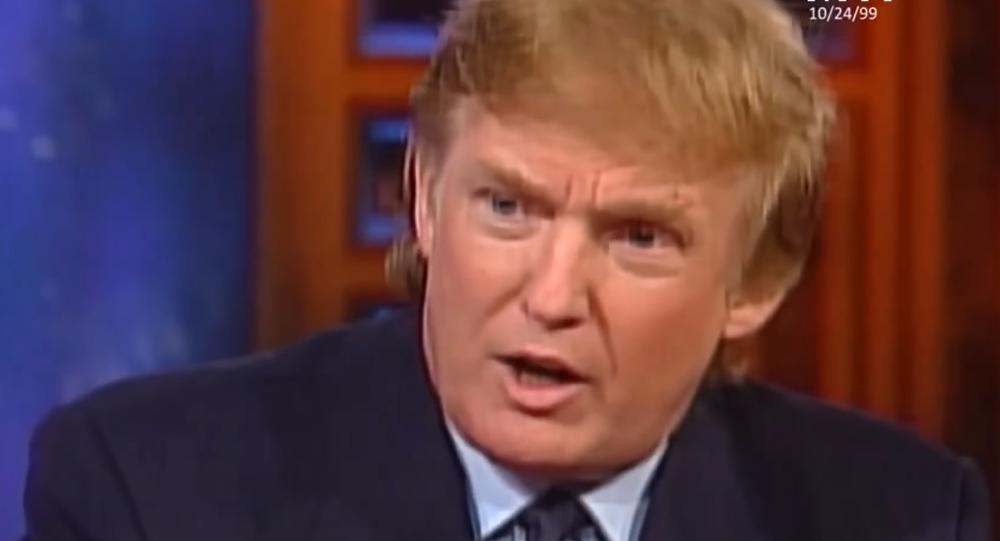 Donald Trump durante el programa Meet the Press que salió al aire el 24 de agosto de 1999